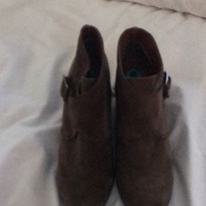 Lucky Brand Brown Suede Ankle Boots SZ 8